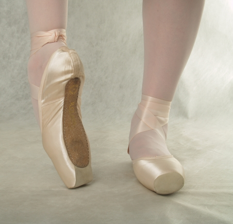First pointe with leather toe U-Cut